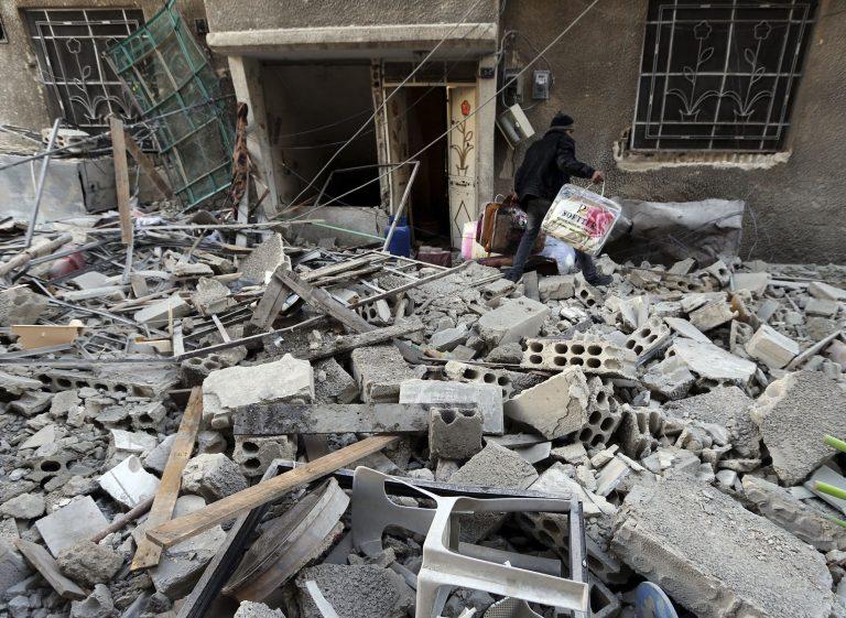Περισσότεροι από 48.000 νεκροί κατά τους 22 μήνες των συγκρούσεων στη Συρία   Newsit.gr