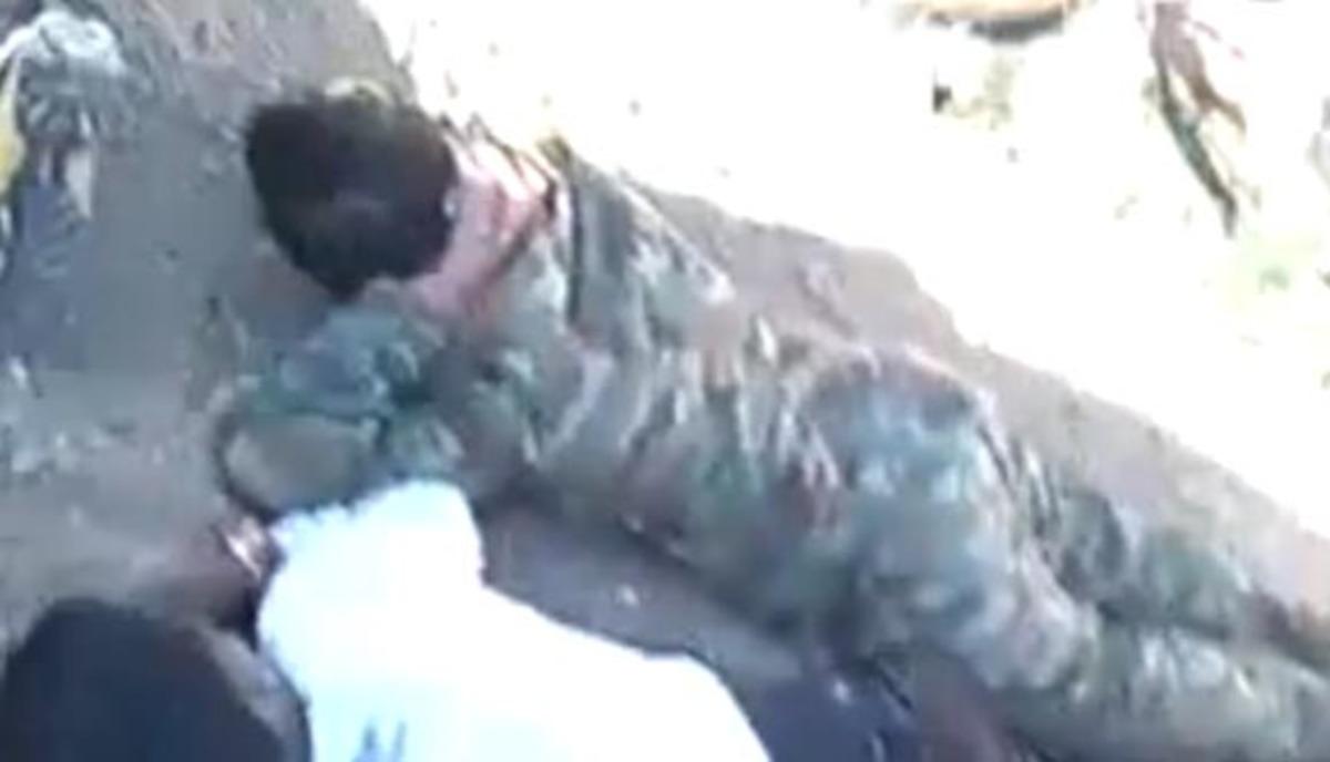 Αγριότητες στην Συρία – Πυροβόλησαν 10 άοπλους αιχμαλώτους   Newsit.gr