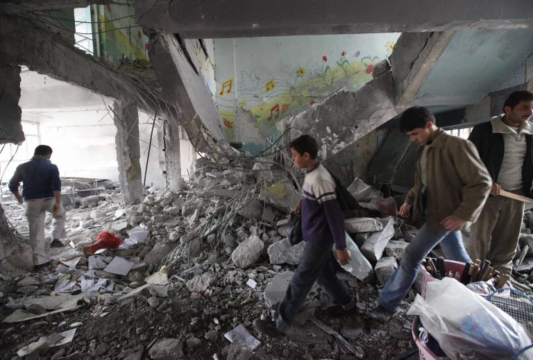Συρία: Σκότωσαν ξανά παιδιά – Βομβάρδισαν σχολείο | Newsit.gr