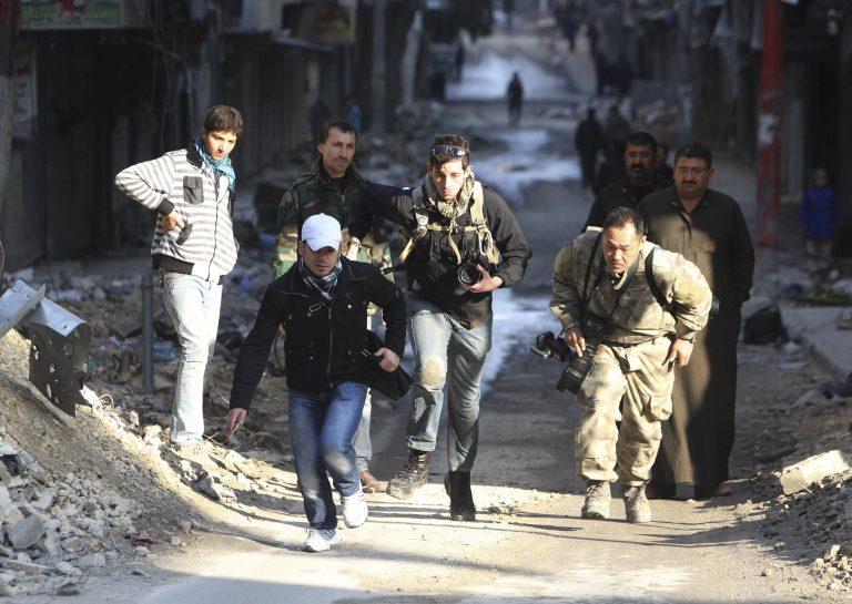 Συρία: Νεκρός Γάλλος δημοσιογράφος από πυρά ελεύθερου σκοπευτή – BINTEO | Newsit.gr