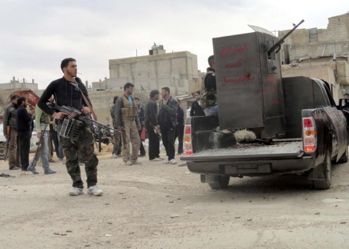 Αποκομμένη από τον κόσμο η Χομς – Σφίγγει τον κλοιό ο Άσαντ | Newsit.gr