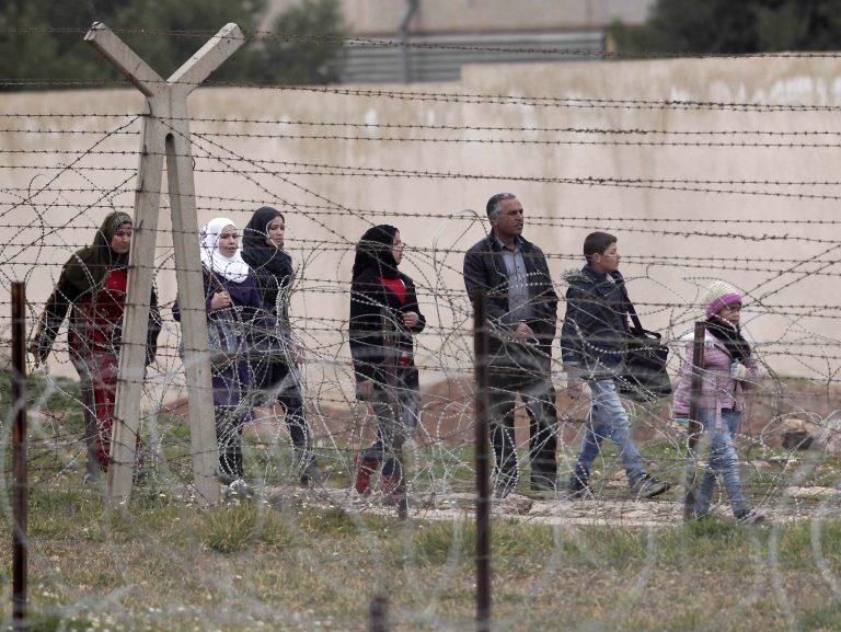 Συρία: Σχεδόν 6.400 πρόσφυγες σε ένα 24ωρο   Newsit.gr
