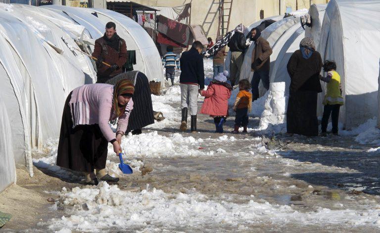 ΟΗΕ: 100.000 Σύροι πρόσφυγες σε ένα μήνα | Newsit.gr