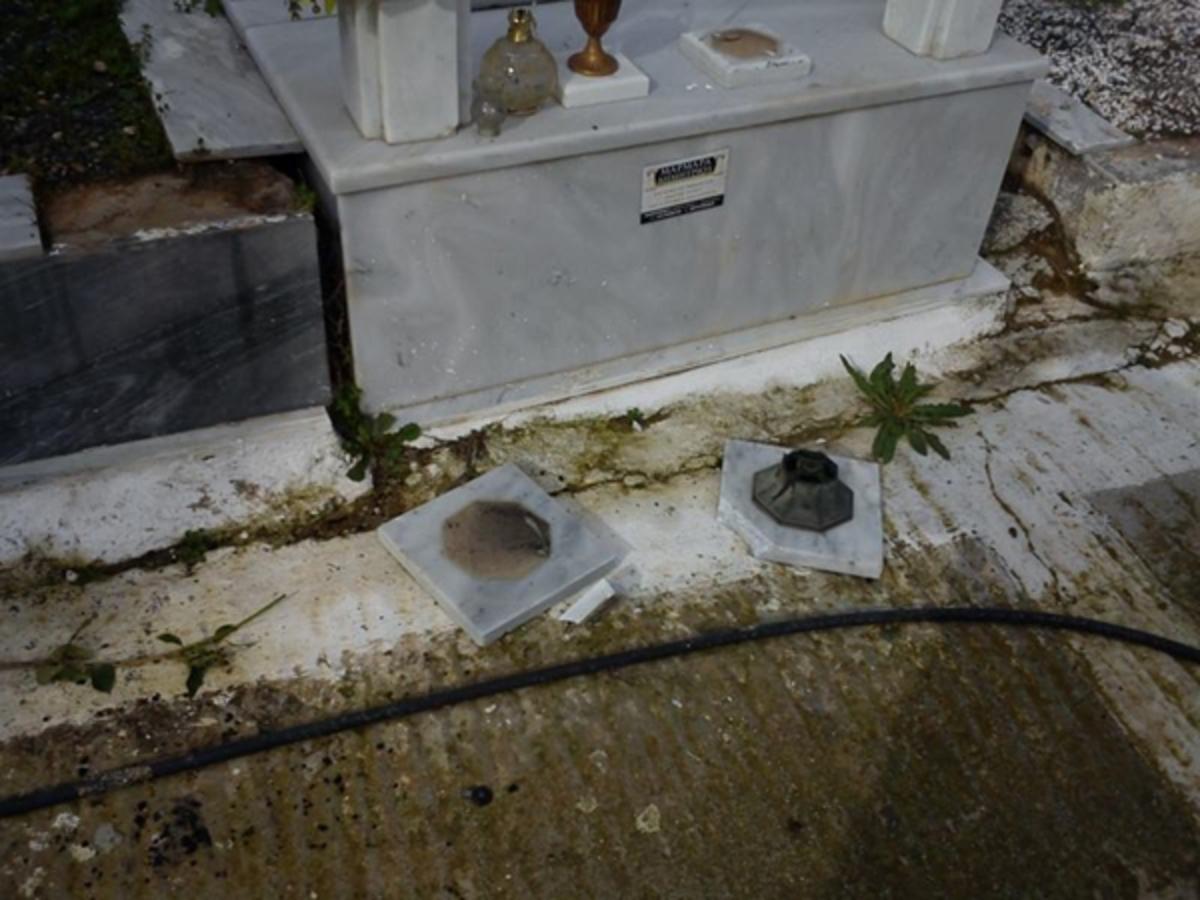 Αλεξανδρούπολη: Έκανε «γυαλιά καρφιά» το Νεκροταφείο! | Newsit.gr