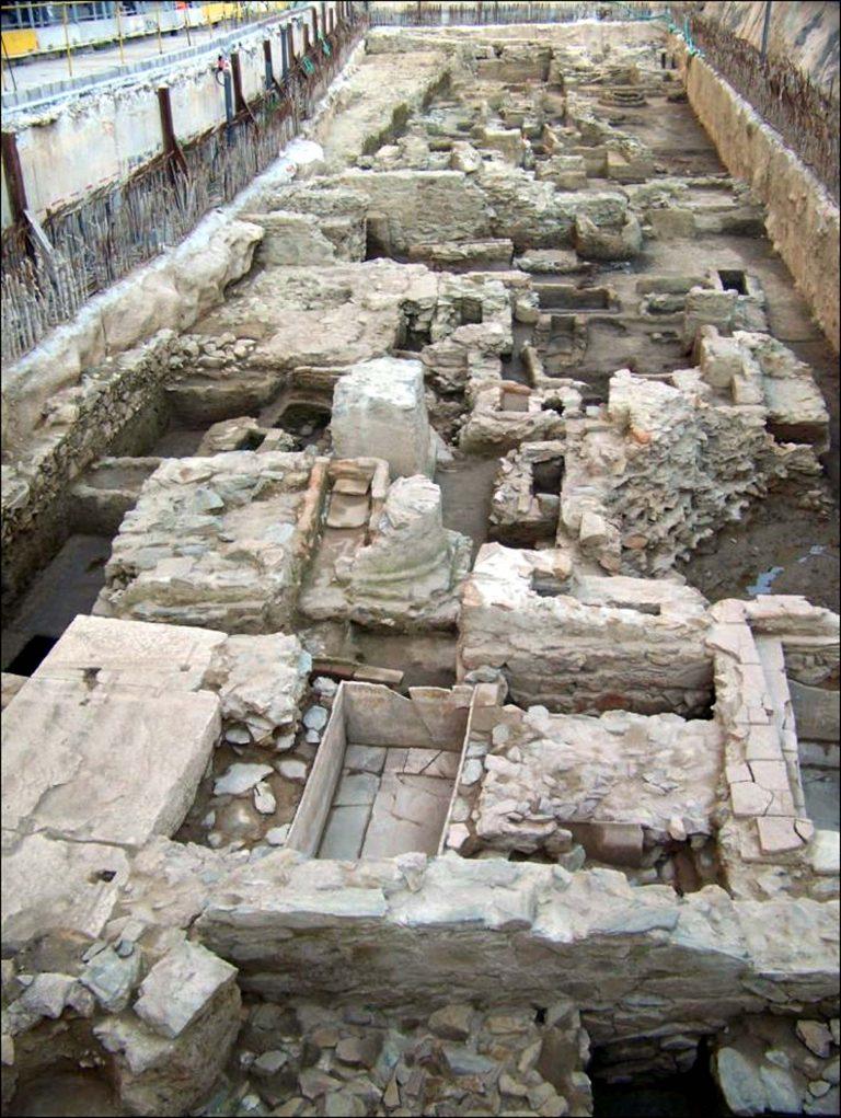 Ιταλοί αρχαιολόγοι ανακάλυψαν τάφους 3.000 ετών στο Πακιστάν | Newsit.gr