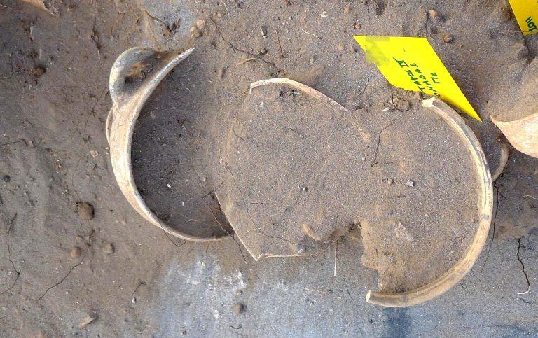 Κρήτη: Βρήκαν αρχαίο «θησαυρό» στον Μινωικό τάφο   Newsit.gr