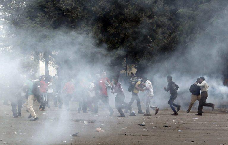 Νέες συγκρούσεις στην Ταχρίρ – Στα άκρα ο πόλεμος Μόρσι-δικαστών (VIDEO) | Newsit.gr