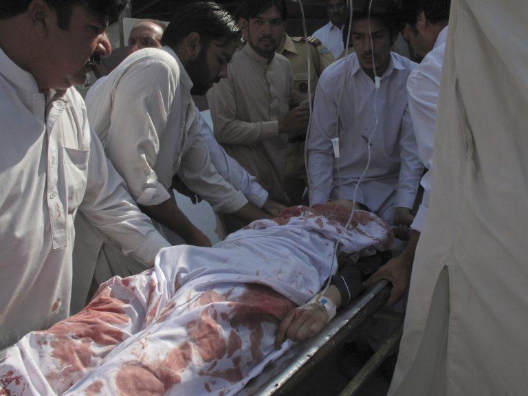 Οι Ταλιμπάν πήγαν να δολοφονήσουν την 14χρονη Πακιστανή που αγωνιζόταν κατά τους | Newsit.gr