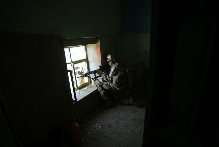 Έστειλαν βίντεο με απαχθέντες δημοσιογράφους οι Ταλιμπάν   Newsit.gr