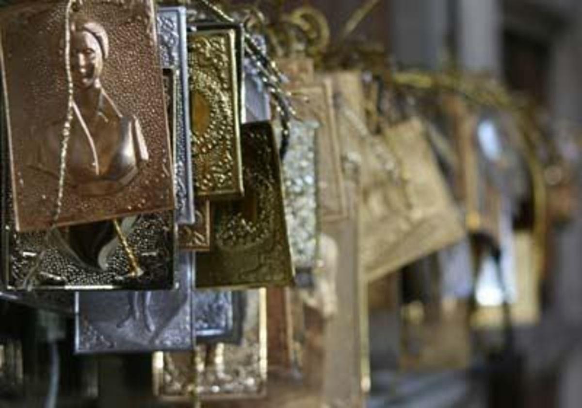 Ηράκλειο: Eικόνα και τάματα «έκαναν φτερα»   Newsit.gr