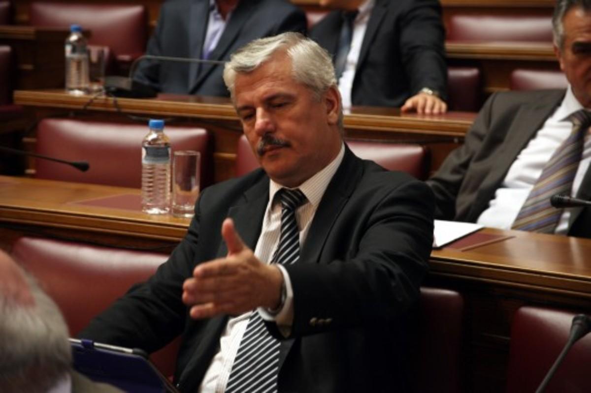 Δύο βουλευτές της Νέας Δημοκρατίας οδεύουν προς άρση της ασυλίας τους | Newsit.gr