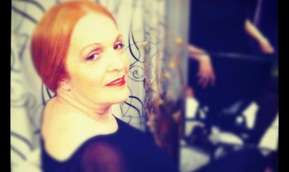 H μητέρα διάσημης τραγουδίστριας της χώρας μας! Ποια σου θυμίζει; | Newsit.gr