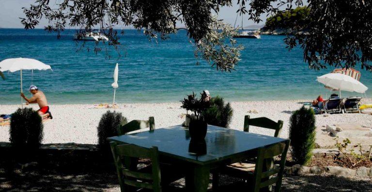 Κρήτη: Τέλος το «greek καμάκι» από εστιάτορες – Τρεις με χειροπέδες γιατί ενοχλούσαν περαστικούς   Newsit.gr