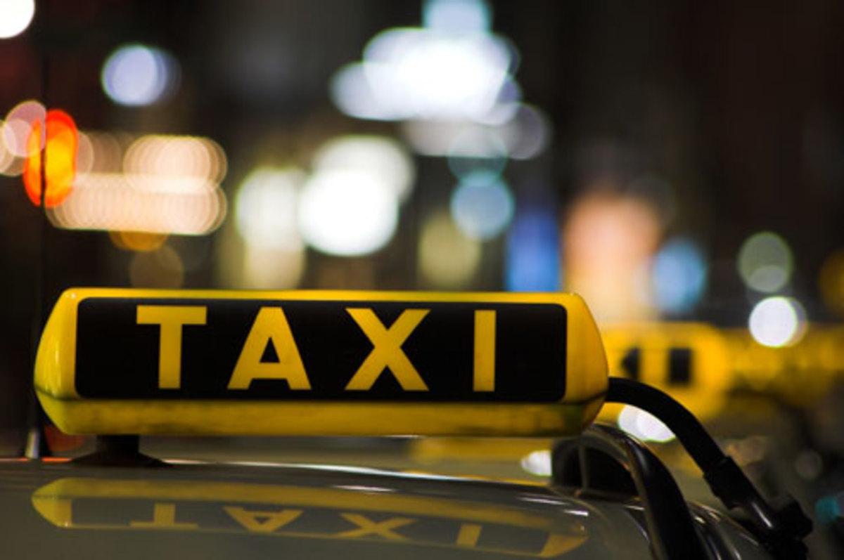Θεσσαλονίκη: Απείλησαν και έκλεψαν οδηγό ταξί | Newsit.gr