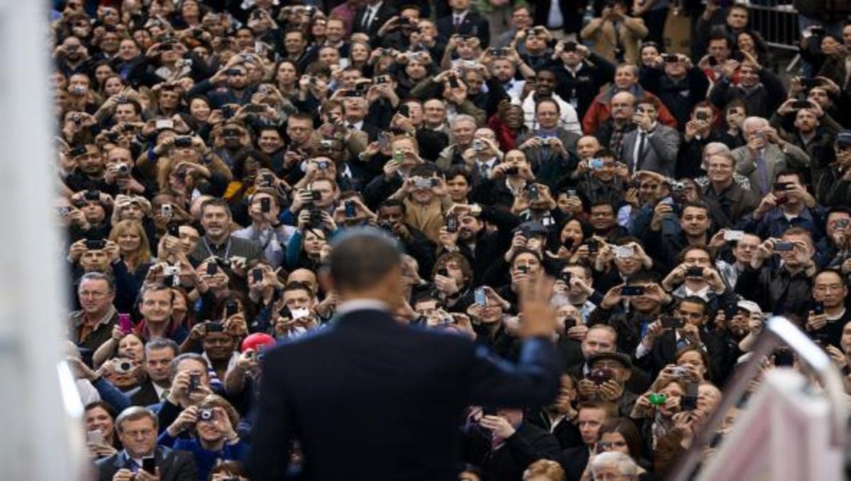 Η πολιτική είναι σαν κινητό τηλέφωνο.   Newsit.gr