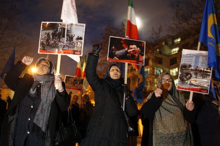 30 μητέρες συνελήφθησαν στην Τεχεράνη | Newsit.gr