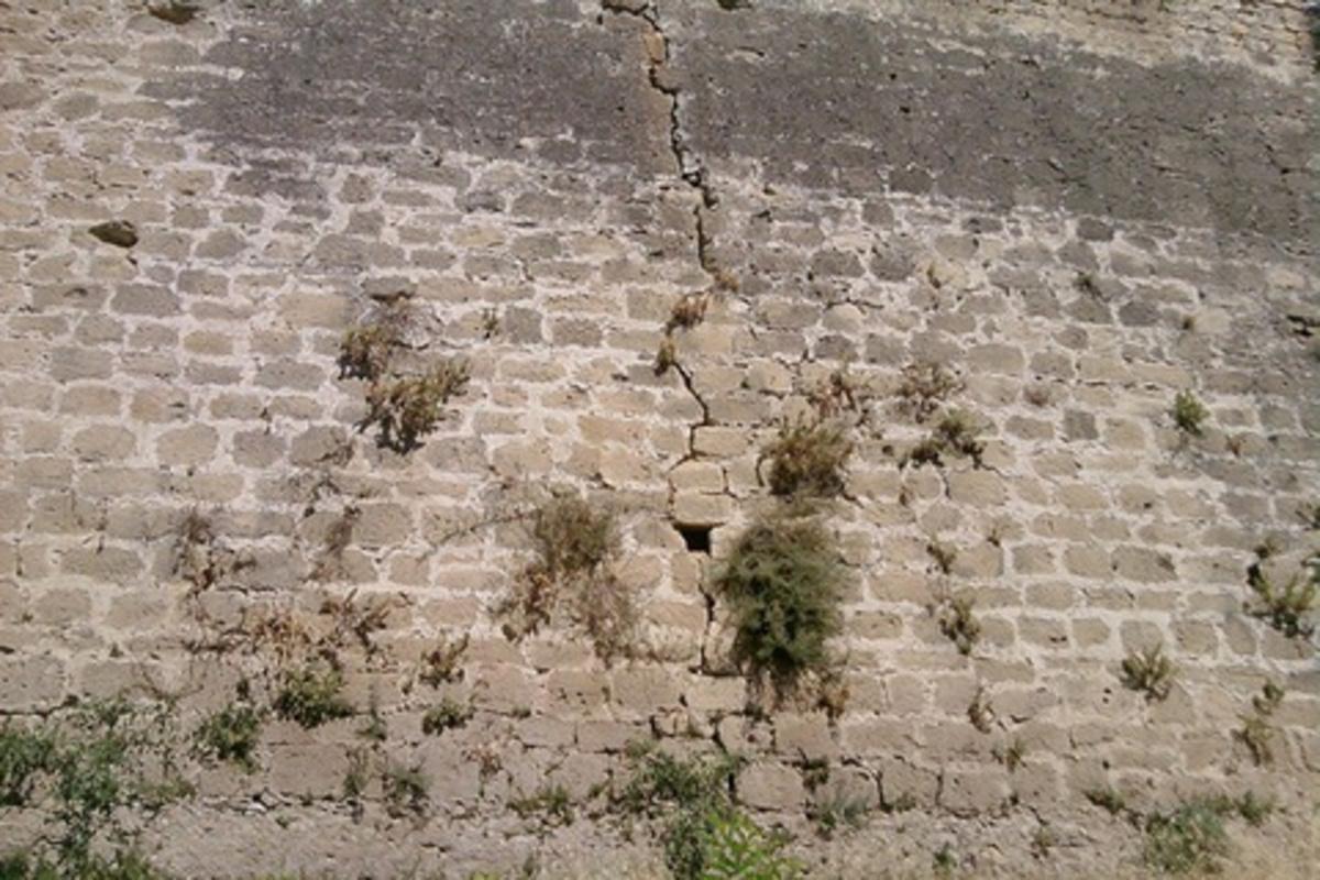 Ηράκλειο: Έπεσε από τα Ενετικά Τείχη και σώθηκε! | Newsit.gr