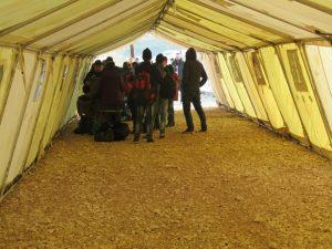 Ιωάννινα: Αρνούνται να κατέβουν από τα λεωφορεία οι πρόσφυγες που έφτασαν χθες από το Κουτσόχερο