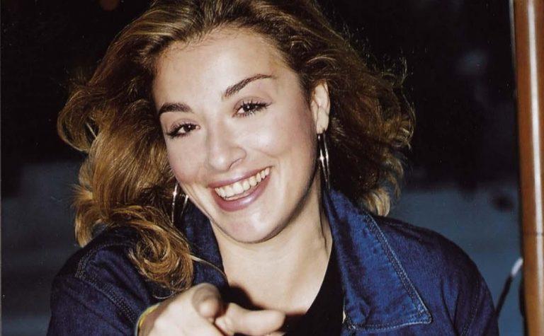 Τερέζα Παναγιωτοπούλου: Πώς είναι σήμερα η τραγουδίστρια με… Το κυπελάκι; | Newsit.gr