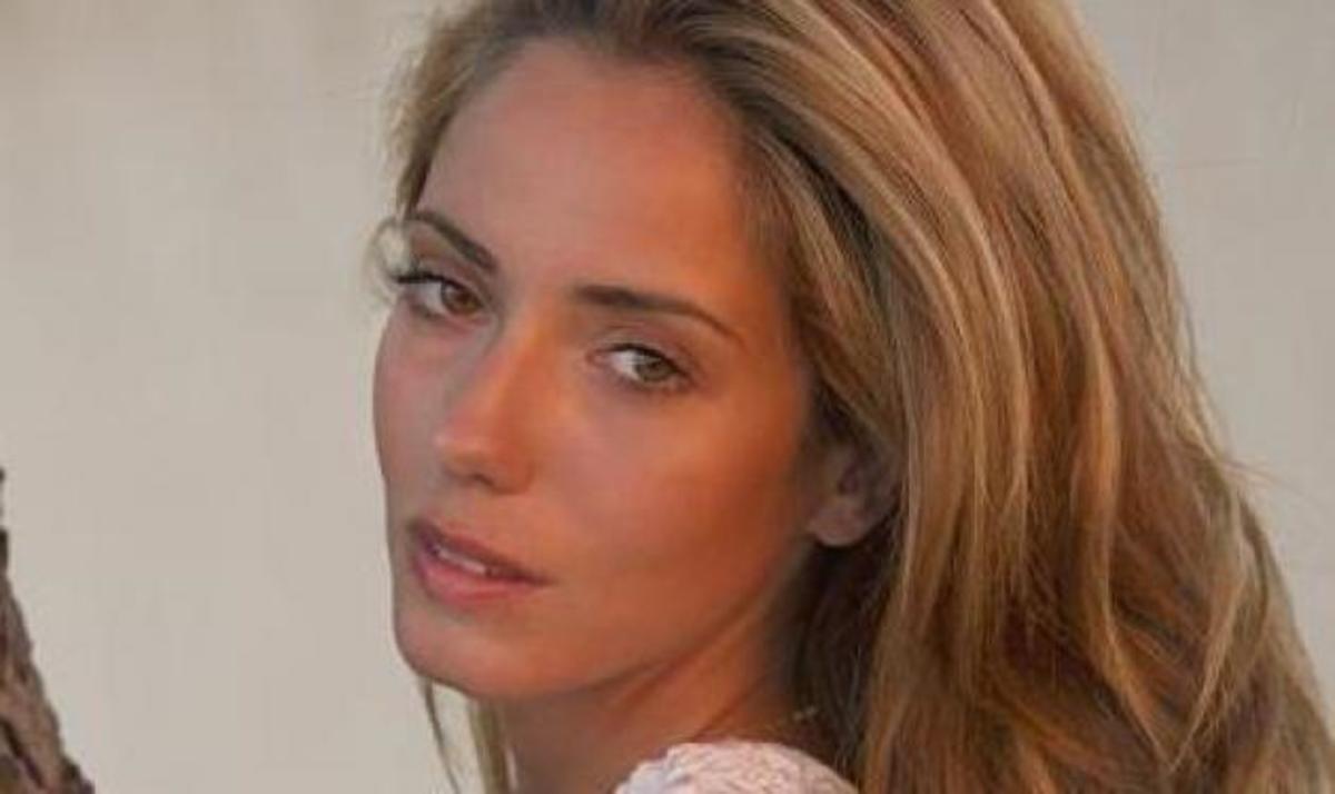 Τ. Καλαφάτη: H όμορφη ηθοποιός που θέλει να κερδίσει για να βοηθήσει την Ελλάδα, αποκαλύπτεται στο TLIFE! | Newsit.gr