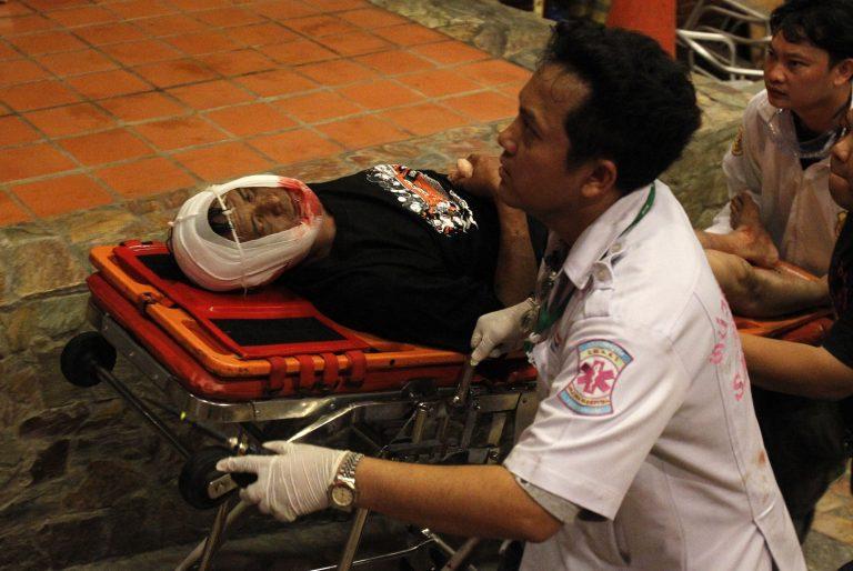 Ταϊλάνδη: 19 νεκροί, 825 τραυματίες στις ταραχές | Newsit.gr