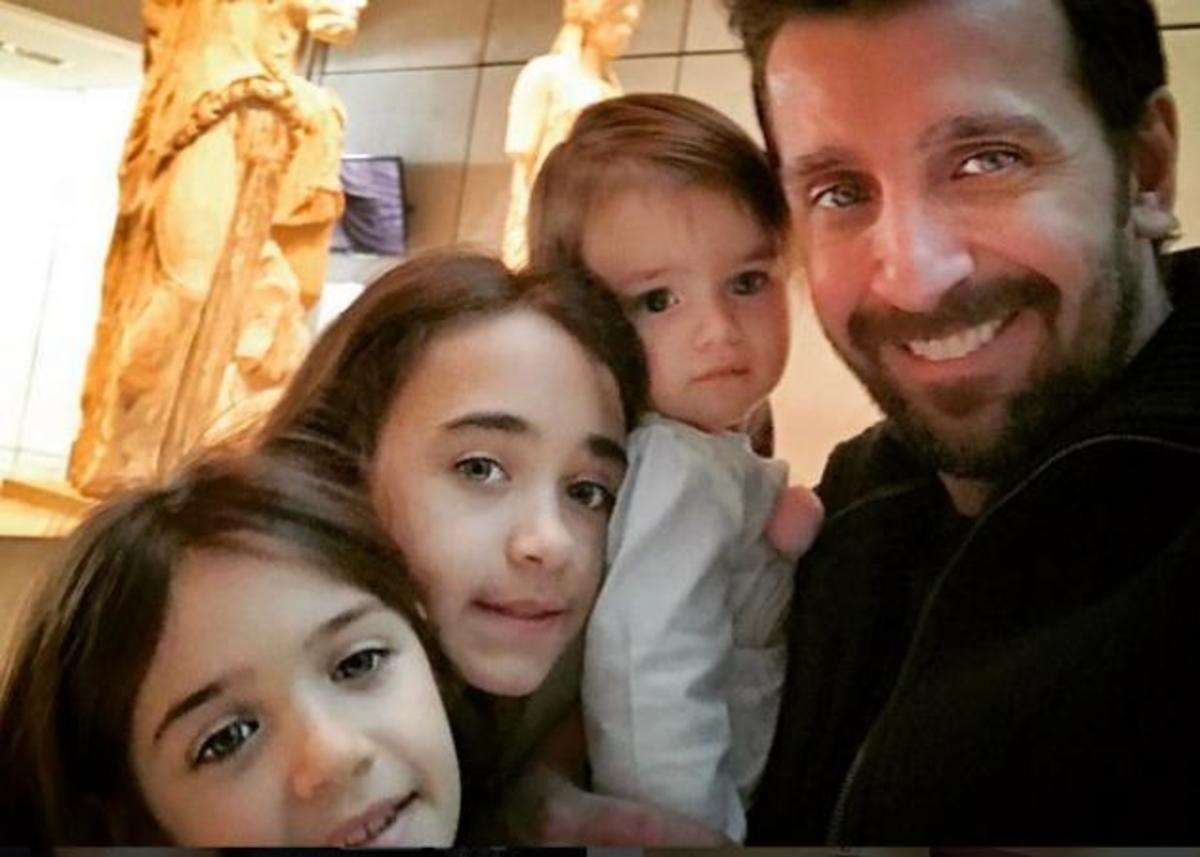 Θάνος Πετρέλης: Έντυσε την μικρή του κόρη για τις Απόκριες και είναι αξιολάτρευτη! | Newsit.gr