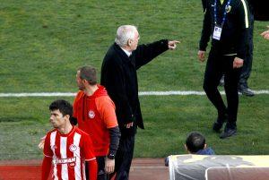 ΑΕΚ – Ολυμπιακός, Θεοδωρίδης: Τρομερές καταγγελίες! «Ούτε στην τουαλέτα δεν μπορούσαμε να πάμε»