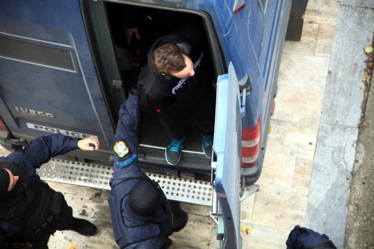 Τάσος Θεοφίλου: Η εισαγγελέας ζητά ενοχή για συμμετοχή στους Πυρήνες της Φωτιάς | Newsit.gr