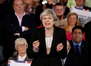 Double score για τη Μέι – Σαρώνουν οι Συντηρητικοί στη Βρετανία
