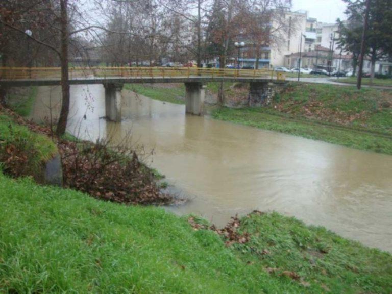 Τρίκαλα: «Φούσκωσε» ο Ληθαίος ποταμός | Newsit.gr