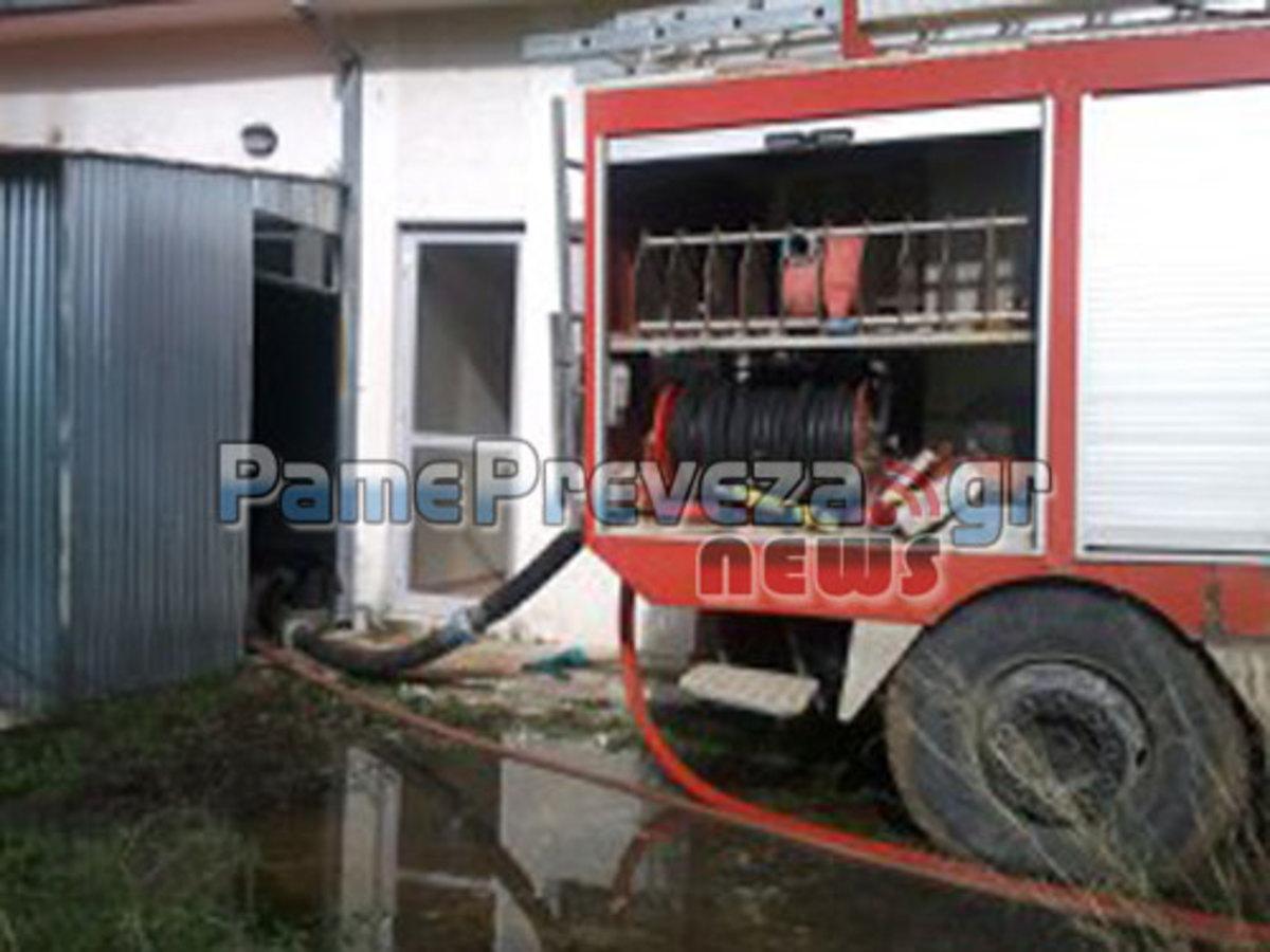 Πρέβεζα: Βούλιαξε το Θεσπρωτικό – «Λίμνη» το κέντρο Υγείας | Newsit.gr
