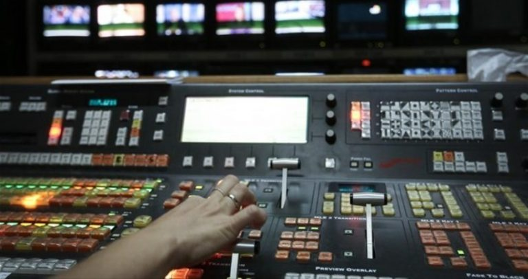 """Νέος διαγωνισμός για τηλεοπτικές άδειες για τις δύο… """"ορφανές""""   Newsit.gr"""