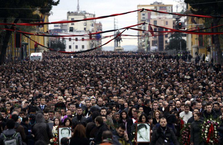 Διαδηλώσεις της αντιπολίτευσης και στην Αλβανία | Newsit.gr