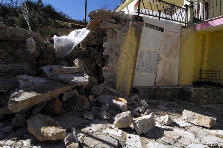 Βρέχει βράχους στην Τιθορέα – Πανικόβλητοι οι κάτοικοι   Newsit.gr