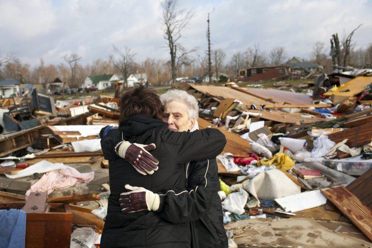 Βρέφος παρασύρθηκε από τον τυφώνα αλλά βρέθηκε ζωντανό 10 μίλια από το σπίτι του | Newsit.gr
