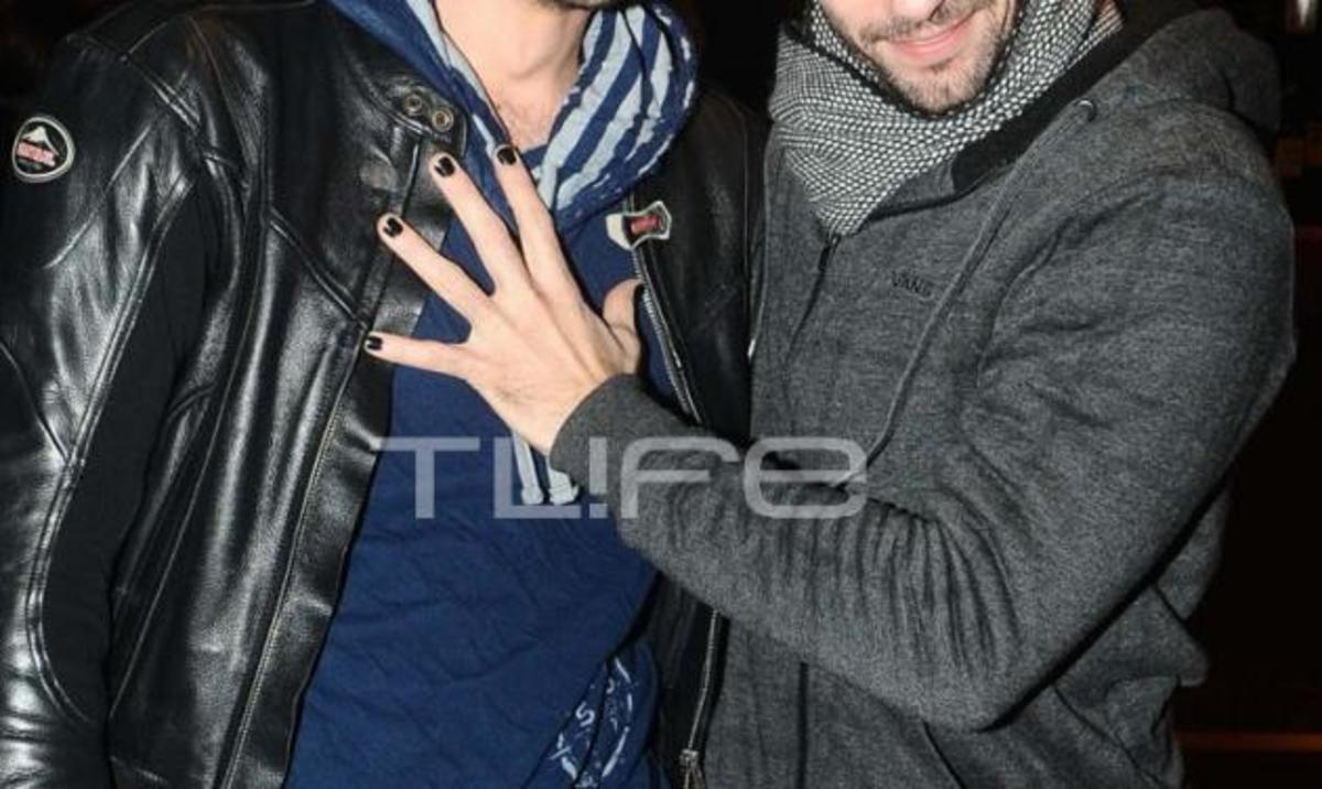 Ποιος γνωστός ηθοποιός έχει βάψει μαύρα τα νύχια του; | Newsit.gr