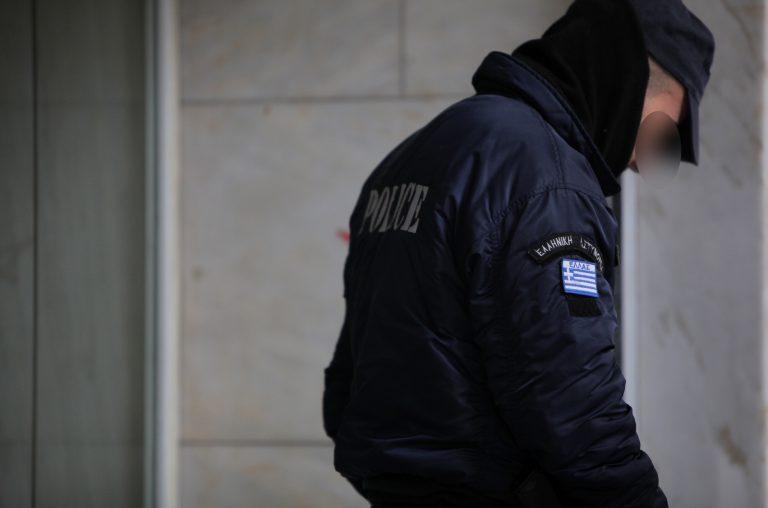 Αιτωλοακαρνανία:Τον έδιωξαν από την αστυνομία γιατί έκλεψε πορτοφόλι νεκρού και έκανε ανάληψη! | Newsit.gr