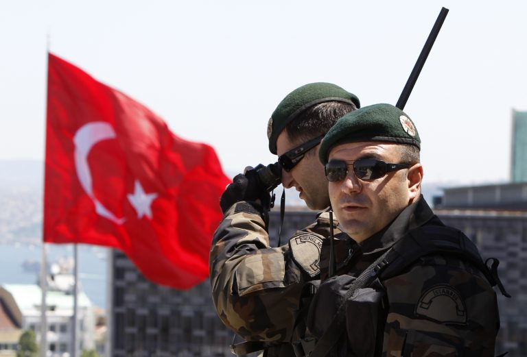 Τουρκία: Συλλαμβάνονται 128 στρατιωτικοί για διασυνδέσεις με τον Γκιουλέν