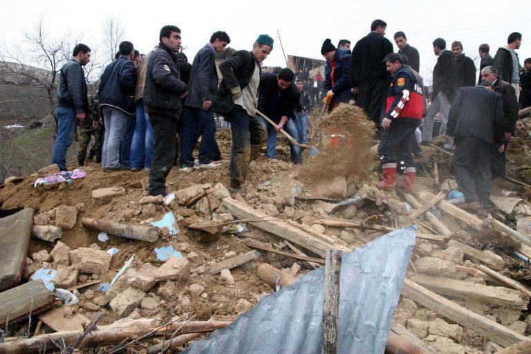 Έκαναν λάθος στους νεκρούς από τον σεισμό της Τουρκίας | Newsit.gr