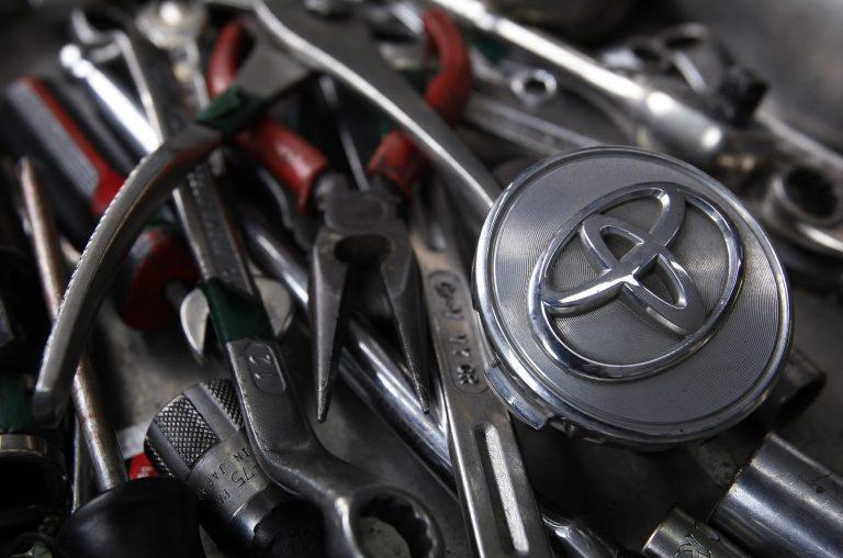 Ελέγχει αυτοκίνητα και ανταλλακτικά για ραδιενέργεια η Toyota! | Newsit.gr