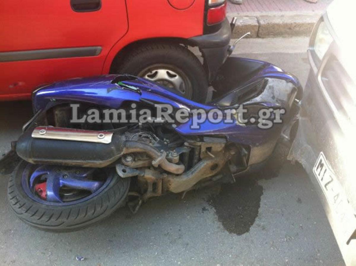 Λαμία: Ηλικιωμένος πέρασε STOP και χτύπησε μηχανάκι με μητέρα και παιδί! ΦΩΤΟ | Newsit.gr