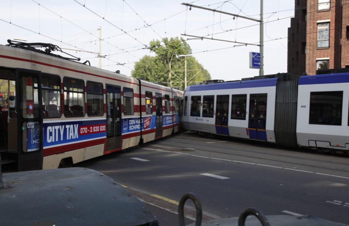 Τουλάχιστον 30 τραυματίες από σύγκρουση 2 τραμ στην Χάγη! | Newsit.gr