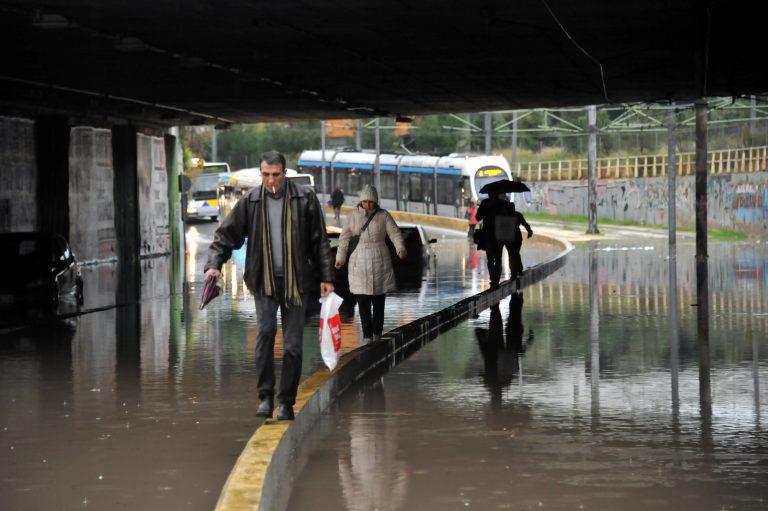 Κακοκαιρία και στα μέσα μεταφοράς! Που υπάρχουν προβλήματα | Newsit.gr