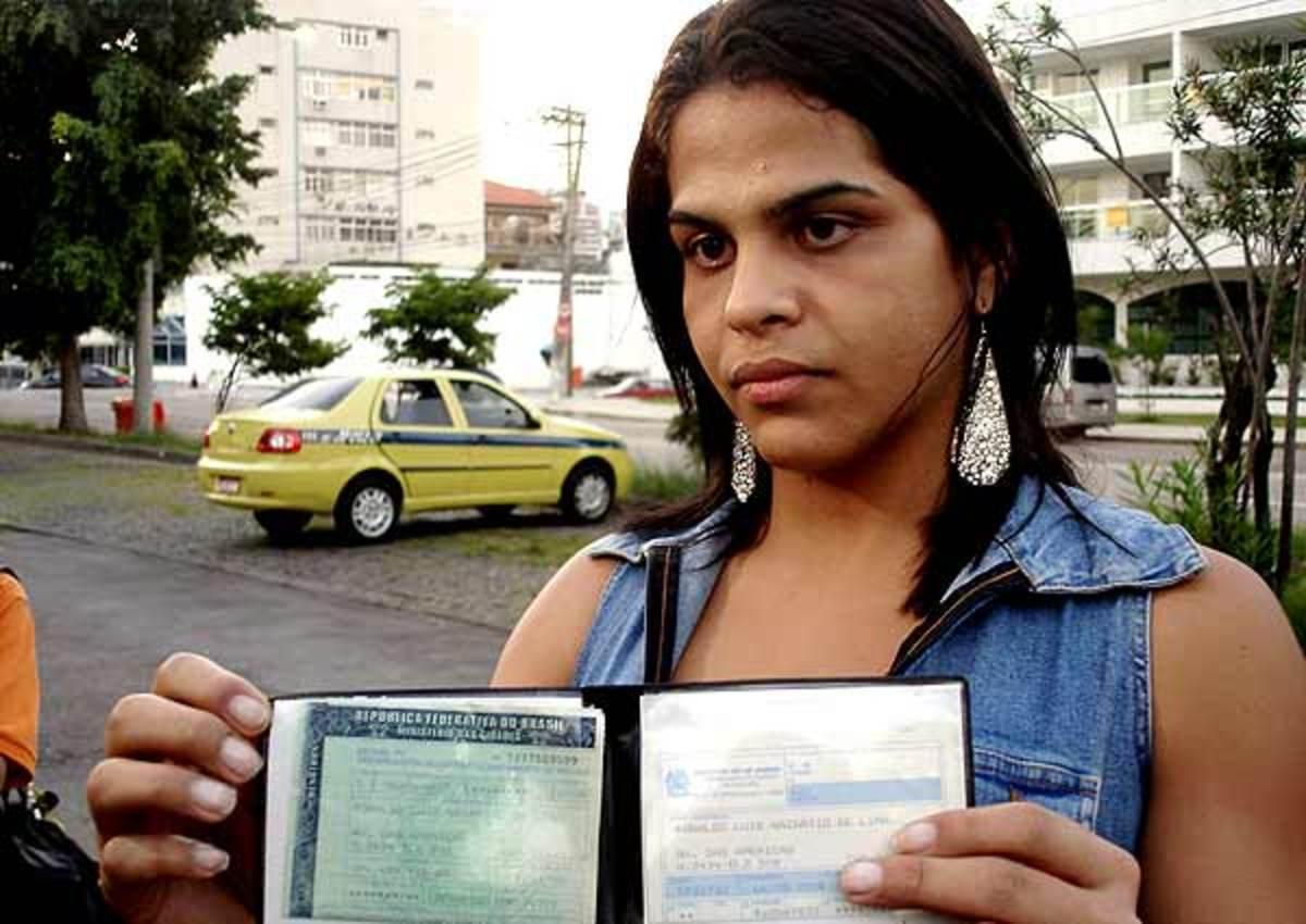 Ελεύθεροι στην χρήση οποιουδήποτε ονόματος οι τρανσέξουαλ στην Βραζιλία   Newsit.gr