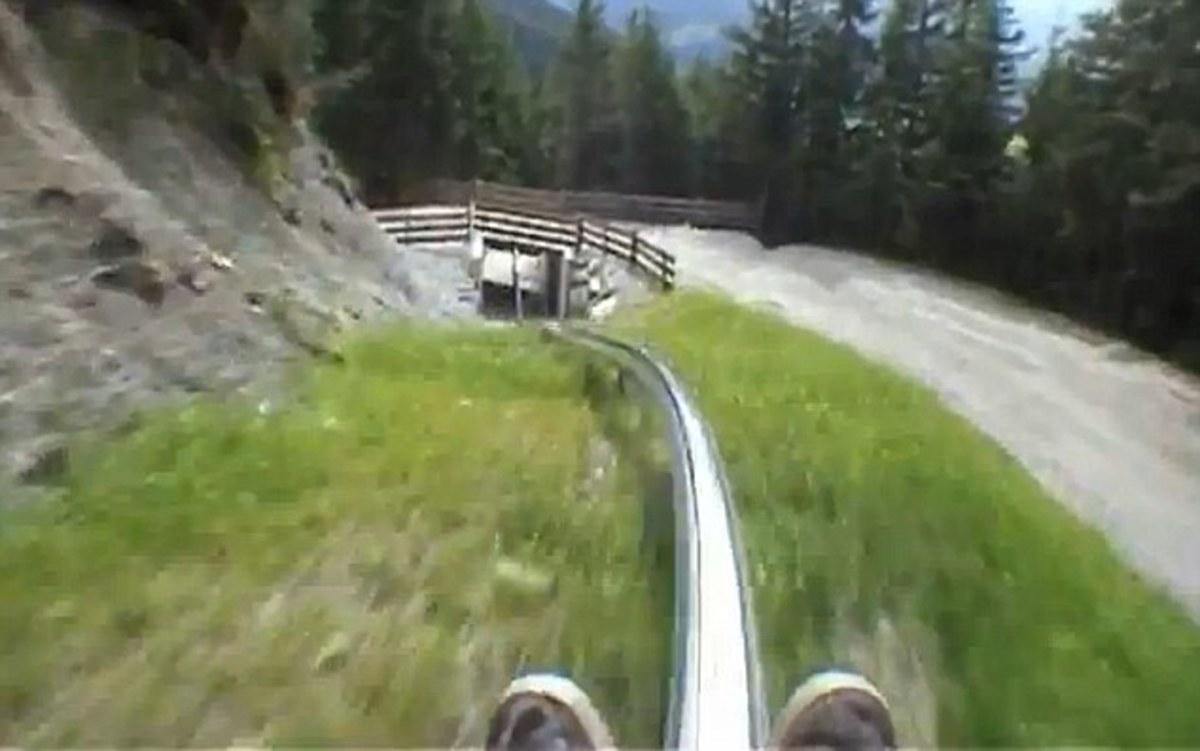 Χωρίς… φρένα! Κατάβαση από πλαγιά των Άλπεων με… rollercoaster! (Video) | Newsit.gr