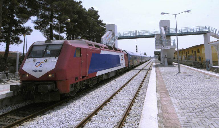 Με 24ωρες απεργίες απειλούν οι σιδηροδρομικοί | Newsit.gr