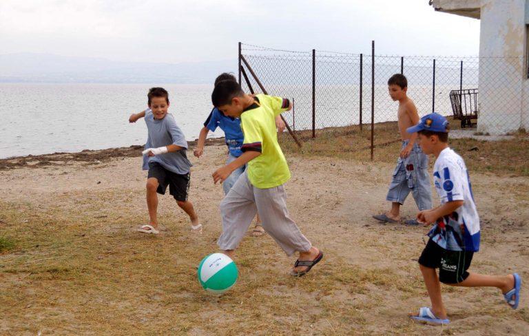 Τραγωδία στα Τρίκαλα – «Έσβησε» μαθητής που χτύπησε παίζοντας μπάλα | Newsit.gr