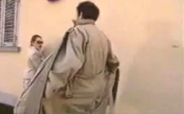Τρίκαλα: Κατέβασε το παντελόνι του και το εσώρουχό του μπροστά στις πωλήτριες | Newsit.gr
