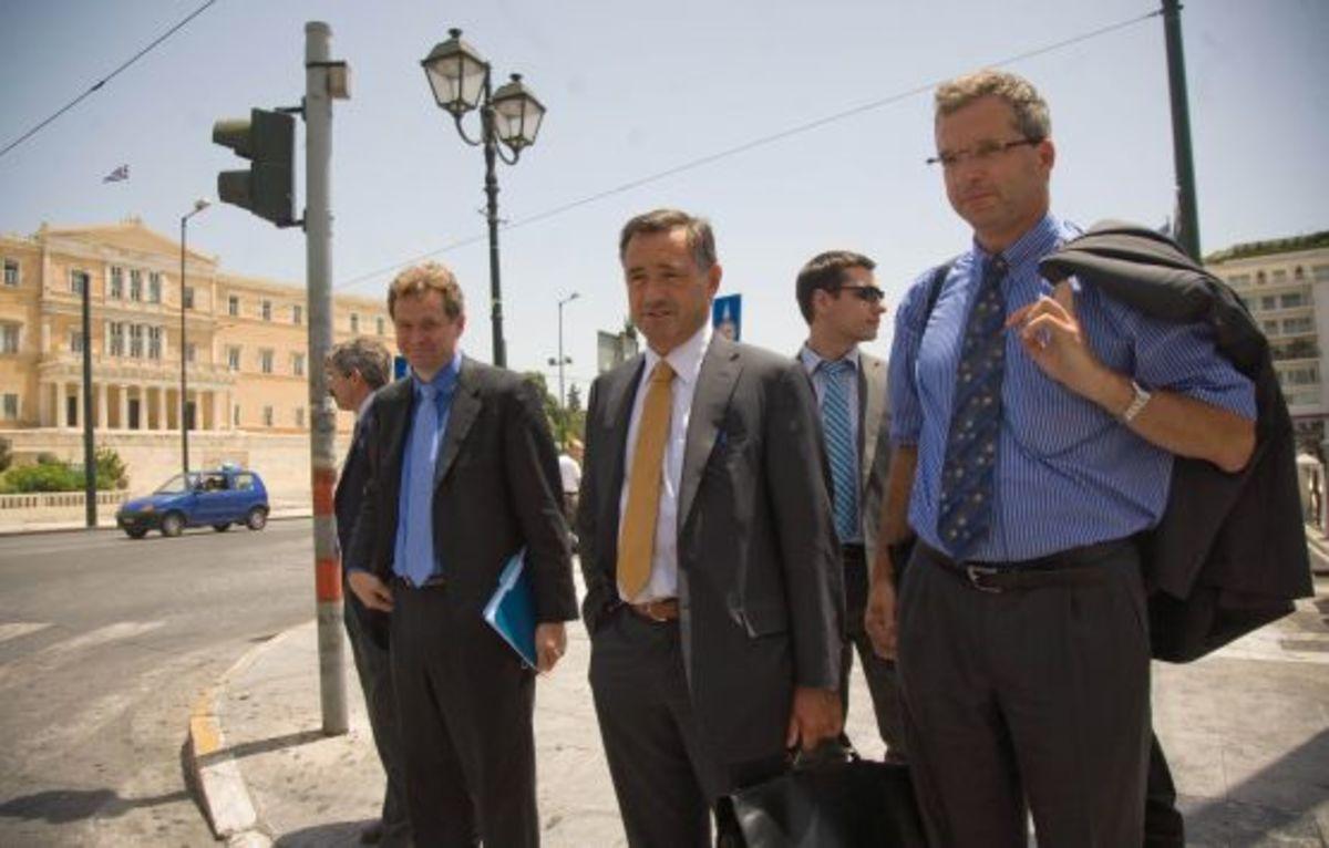 Η τρόικα ξαναβλέπει τον Στουρνάρα την Κυριακή και φεύγει την άλλη εβδομάδα | Newsit.gr