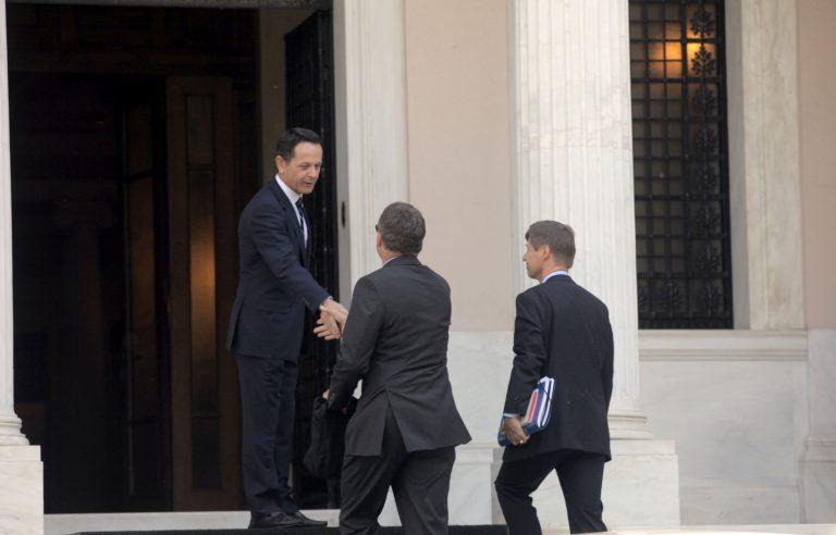 Περιμένουν τον καπνό από το Μαξίμου από τη συνάντηση με την τρόικα – Ο Σαμαράς έτοιμος να θέσει θέμα στη Σύνοδο Κορυφής | Newsit.gr